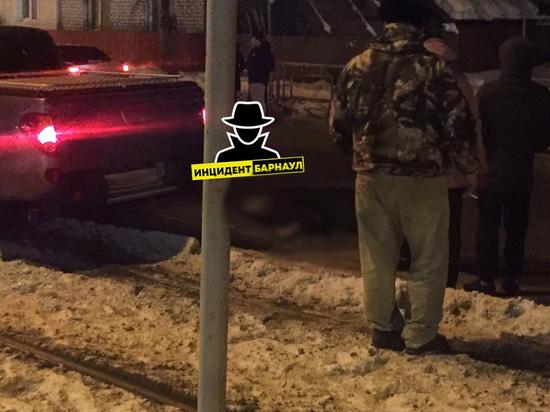 Пешехода насмерть сбили в Барнауле