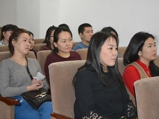 В минздраве Тувы провели встречу со студентами медицинских вузов