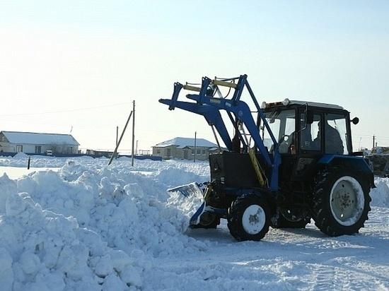 Дорожники расчищают трассы Волгоградской области от наледи и снега
