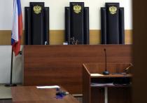 Изнасилованная в Уфе дознавательница пришла на очную ставку в маске