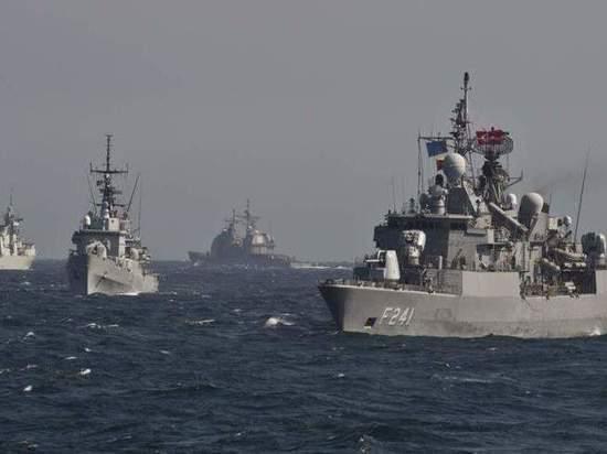 В Черное море зайдет еще один корабль НАТО - украинский дипломат