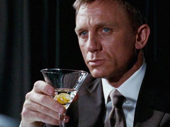 Ученые установили смертельного противника Агента 007: Джеймса Бонда погубил алкоголь