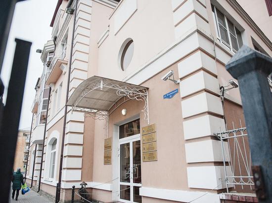 В Астраханской области заведующая филиала взяла 11 взяток