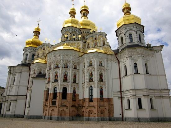 Украинский томос подписан: что ждет Киево-Печерскую лавру