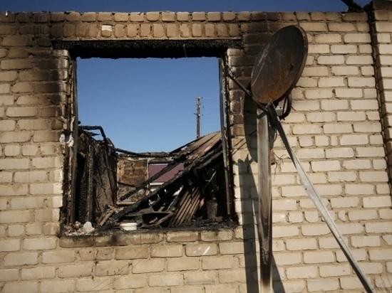На пожаре ночью в Михайловке погиб дедушка с 4-летней внучкой