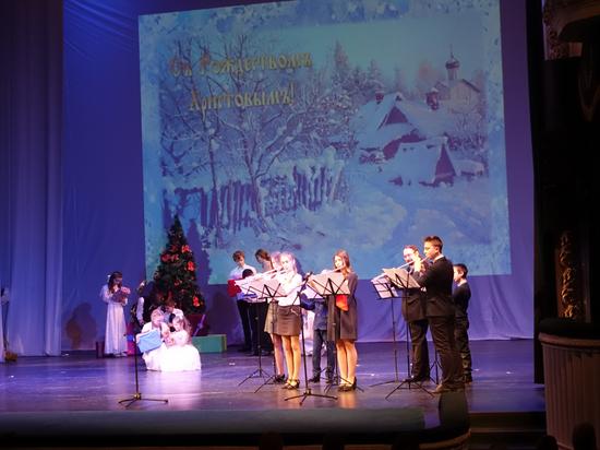 Более пятисот школьников со всей области приехали на Рождественский фестиваль Тамбовской епархии