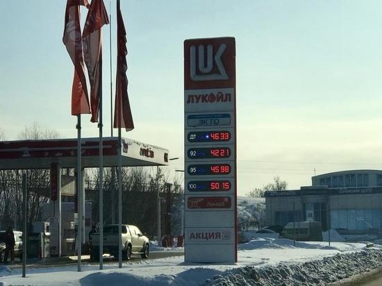 «Привет!» от НДС: в Туле дорожает бензин