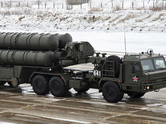 Порошенко потребовал объяснить наличие комплексов С-400 в Крыму
