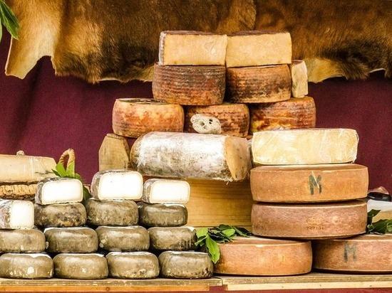 20 тыс. участников «КышДаКар-феста» в Казани съели тонну сыра