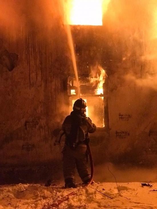 Барак сгорел дотла в Калуге