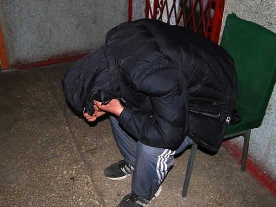 В Черняховске мужчина схватил штаны и убежал
