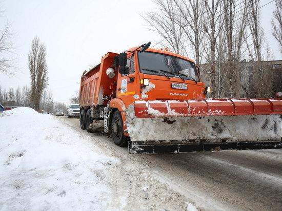 За сутки на дороги Волгоградской области высыпали 330 тонн реагентов
