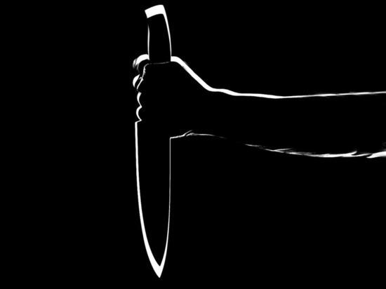 В Кировской области продавцы и покупатели поймали в магазине дебошира с ножом