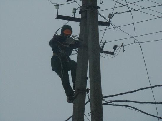«Крымэнерго»: электроэнергия вернулась в села Белогорского района