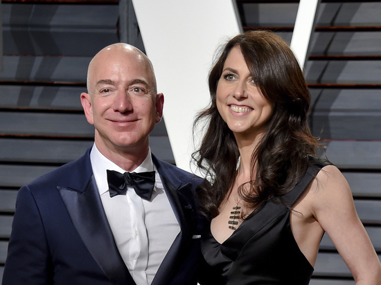Развод года: сколько получит жена миллиардера Безоса при разделе имущества