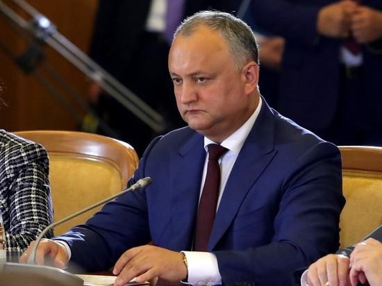 Додон пожаловался Медведеву на российские санкции против Украины