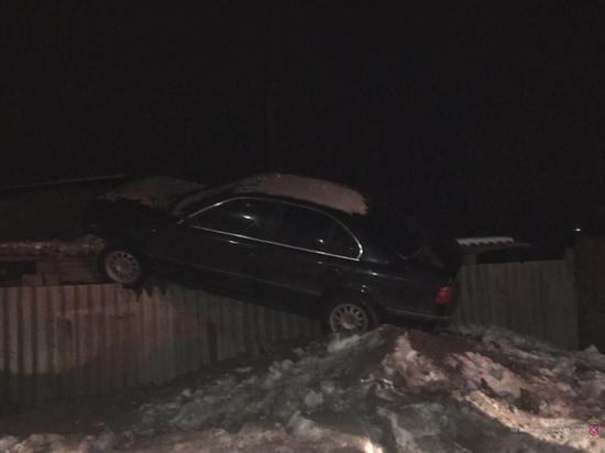 Полицейские Волгограда задержали угрожавшего оружием пьяного водителя