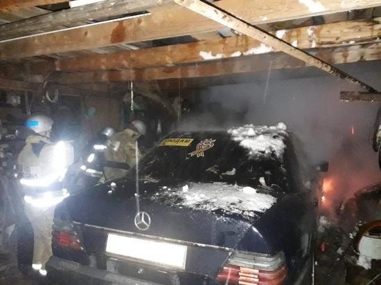 В Людиново загорелся в гараже Мерседес