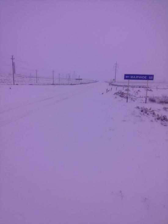 «Дорожники» не справляются со снегом в районах Астраханской области