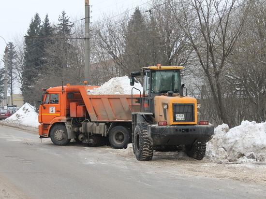 Ежедневно с улиц Твери убирают порядка 2000 кубометров снега