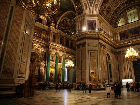 Исаакиевский собор не перешел к РПЦ: активисты радоваться отказались