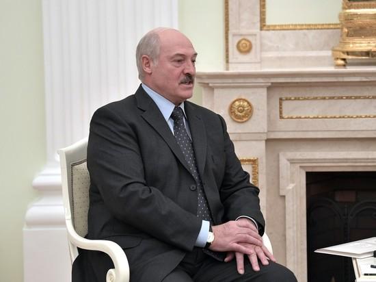 Лукашенко пообещал не объединять Белоруссию и Россию