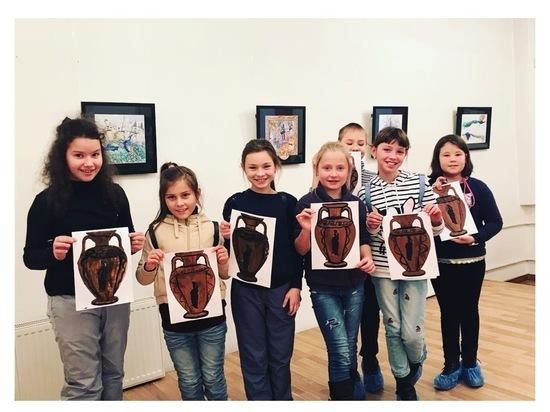 Юных серпуховичей приглашают на интерактивную программу «Секреты античной росписи»