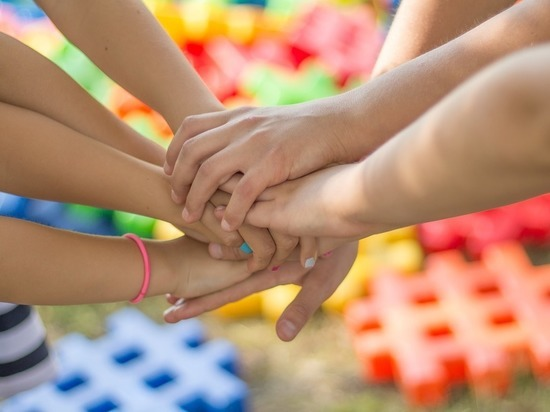 Дружба продлевает жизнь, доказали учёные из Англии