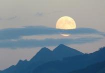 Землян ожидает лунное затмение и суперлуние в одном флаконе