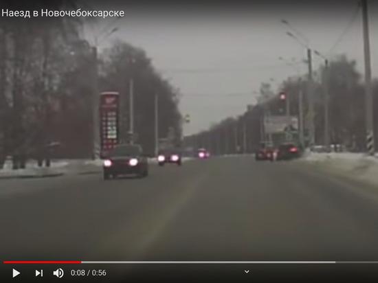 В Новочебоксарске иномарка выехала на обочину и сбила пешехода