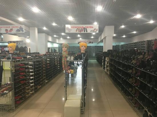 В Твери «накрыли» магазин с контрафактной обувью