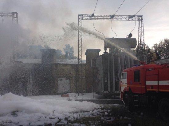 В Крыму под Нижнегорским вспыхнула трансформаторная будка