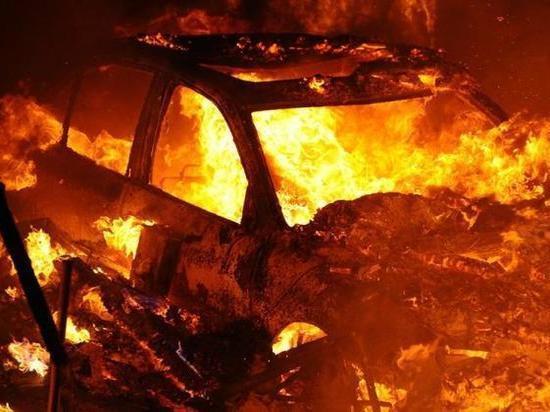 Горевший ночью в Архангельске «Лексус» пытался уволочь за собой в ад «Шниву»