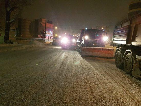 Воронежцев попросили не парковаться в правых полосах магистралей