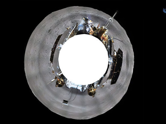 «Чанъэ-4» прислал на Землю первые панорамные фото обратной стороны Луны