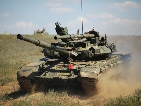 Новобранцы приступили к танковым стрельбам на волгоградском полигоне