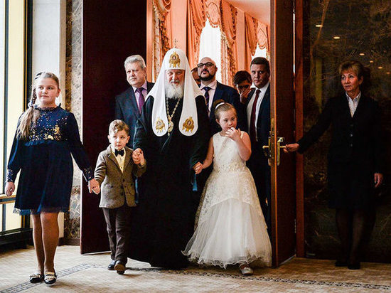 Патриарх Кирилл исполнил мечту орловской девочки