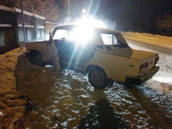 Разворот не туда: в Тверской области пострадали водители ВАЗов