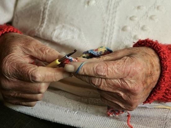 Кубанец под угрозой пистолета ограбил 81-летнюю пенсионерку