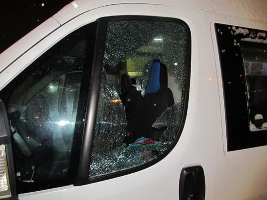 Новочебоксарский студент от скуки расстрелял маршрутку и машину ДПС