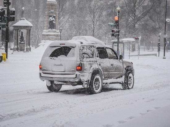 ГИБДД Татарстана не рекомендует выезжать из города во время метели