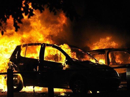 В Оренбурге на Березке  сгорела машина