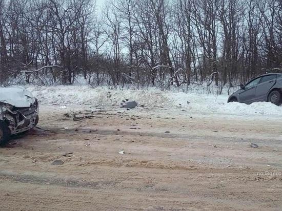 В лобовом столкновении в Михайловском районе пострадали два человека