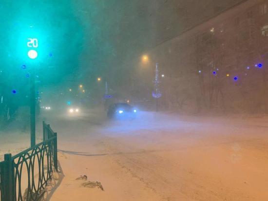 Жители Мурманской области пережили очередной снежный шторм