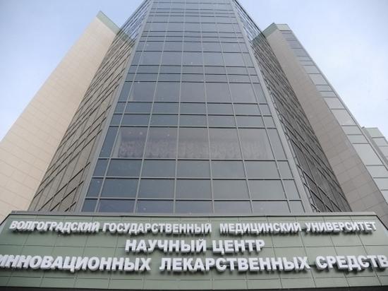 Волгоградский губернатор обсудил реализацию нацпроектов с Владимиром Петровым