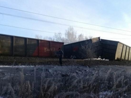 В Заларинском районе сошли с рельсов 29 вагонов с углем