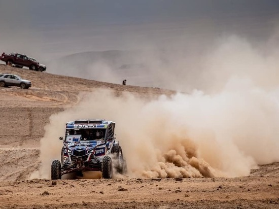 Сергей Карякин потерял первое место на «Дакаре»