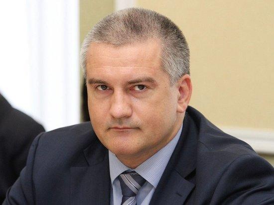 Аксенов потребовал собрать налоги с работающих в Крыму иностранцев
