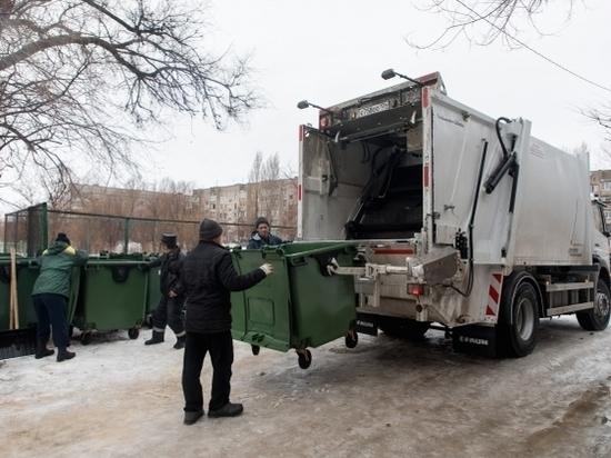 Регоператор продолжает вывозить мусор с волгоградских площадок