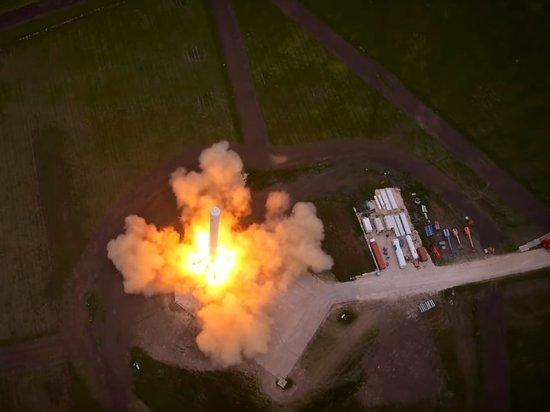 Компания SpaceX решила расстаться с сотнями сотрудников